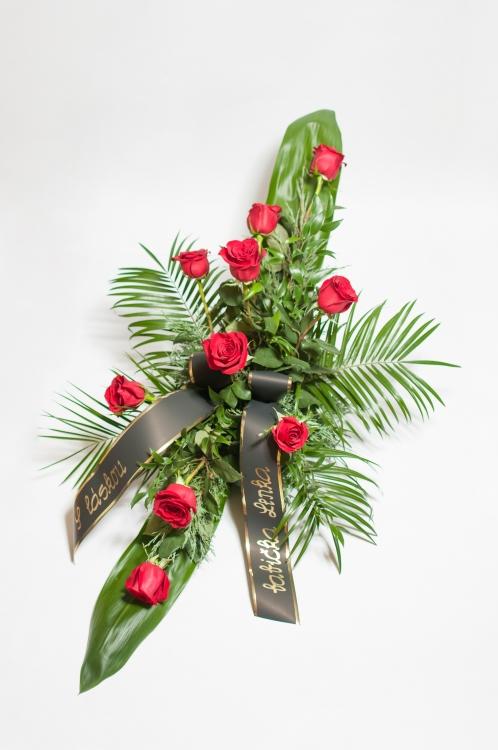 Vypichovaná kytice - červené růže, orientační cena - 1 300Kč