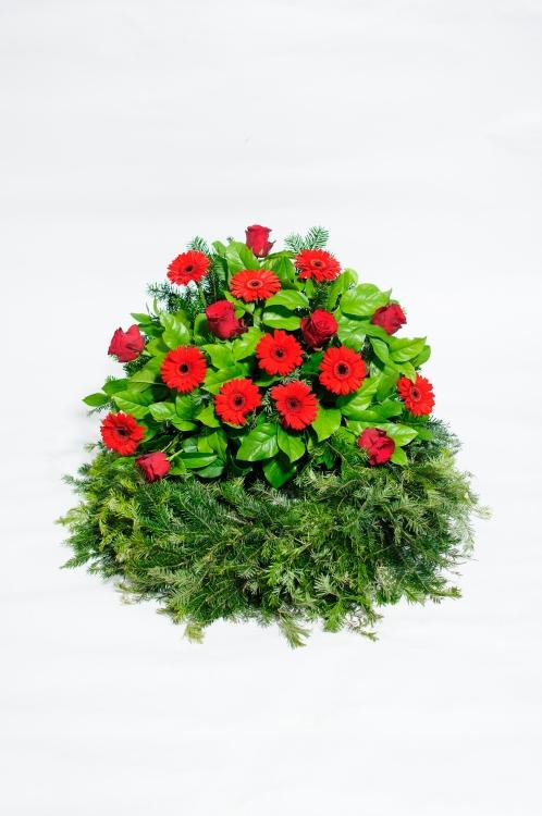 Věnec - gerbery a růže, orientační cena - 1 800Kč