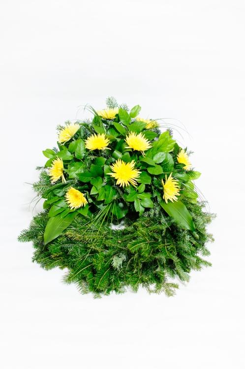 Věnec - jehlicovité chryzantémy, orientační cena - 1 800Kč