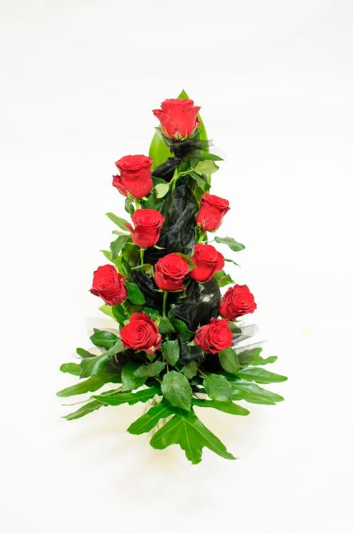 Vázaná kytice - růže, orientační cena - 850Kč