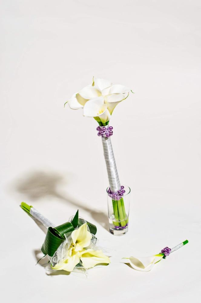 Svatební kytice - bílé kaly