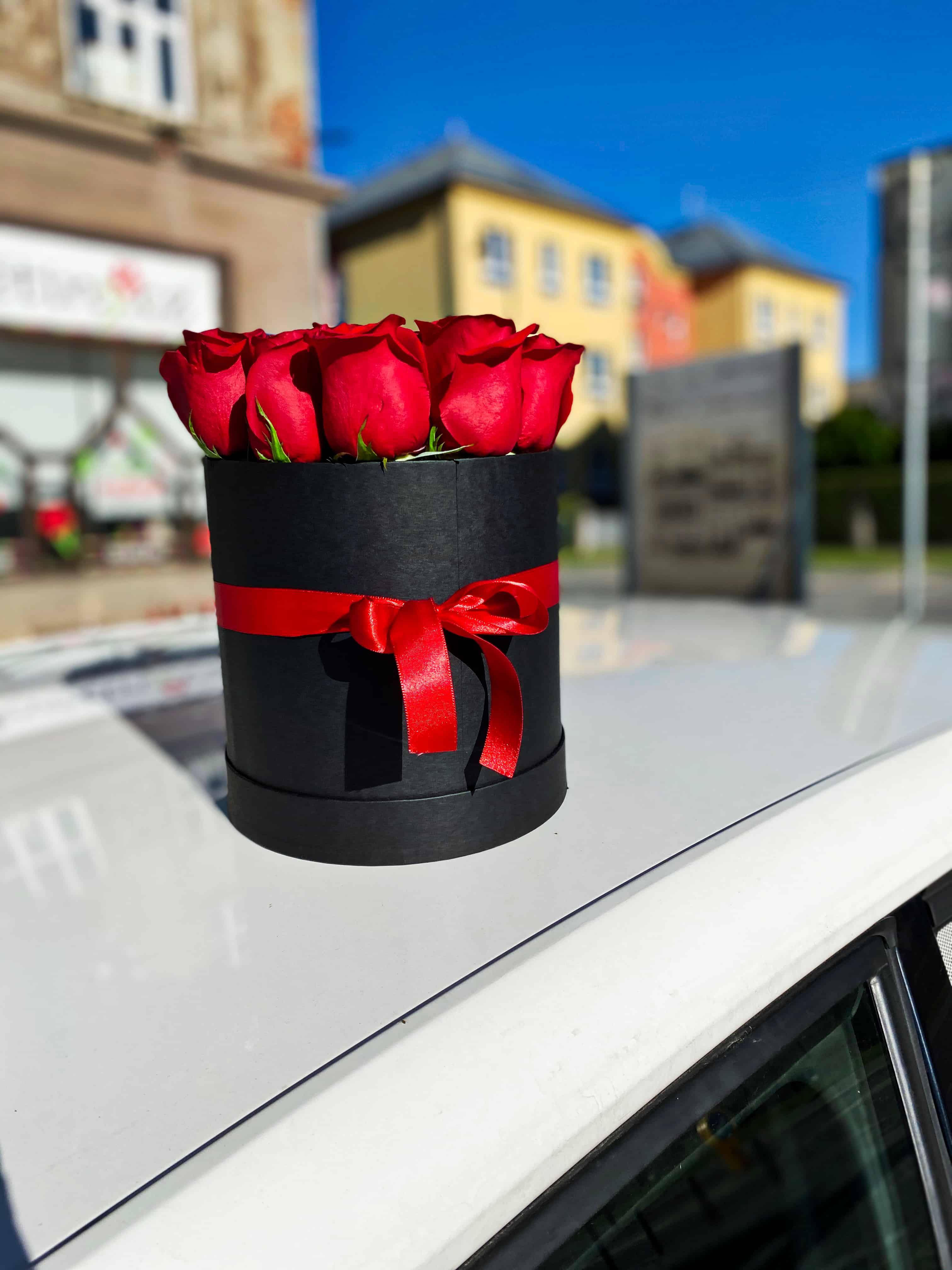 Box růží a krabička Rocher