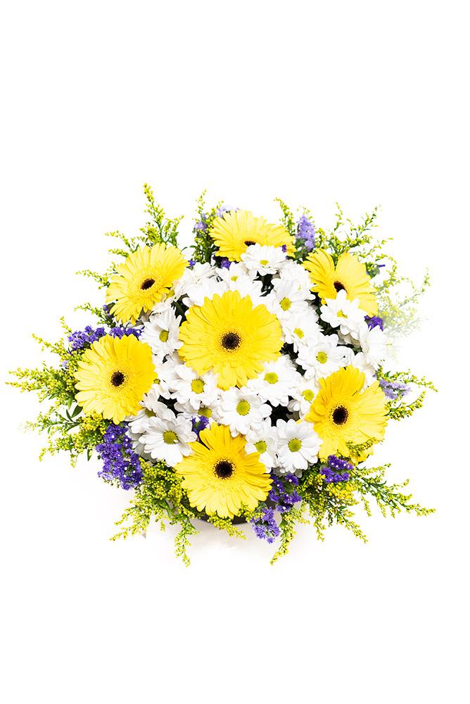 Žluté gerbery a bílé chryzantémy