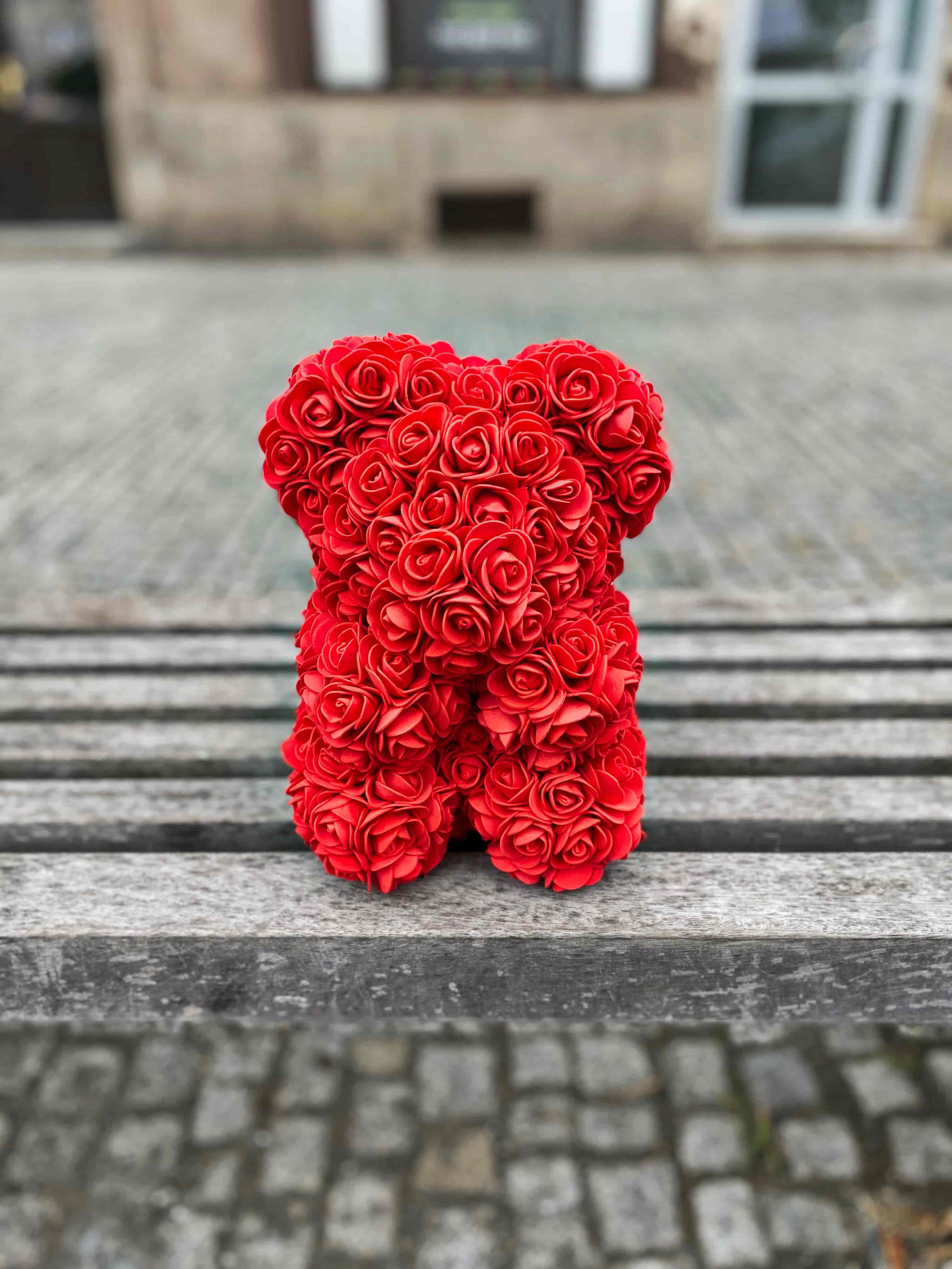 3 růže, Rose bear, Raffaello a Moet 0,2l