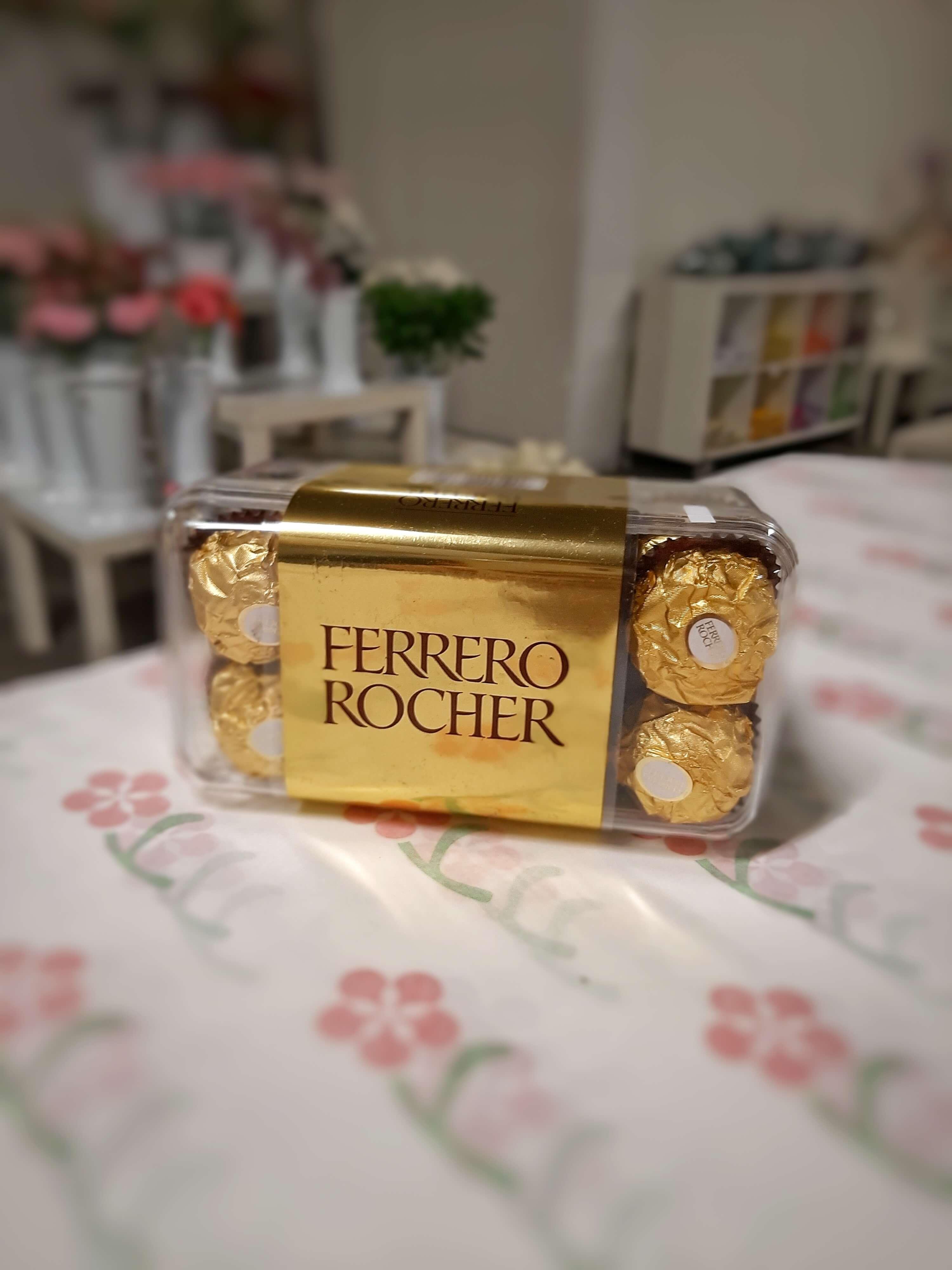 Krabička Ferrero Rocher