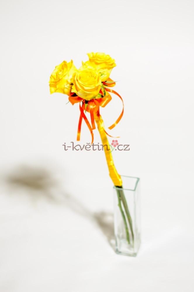 Sváteční žluté růže