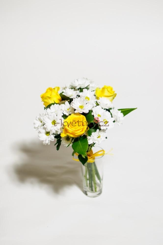 Žluté růže a kopretiny