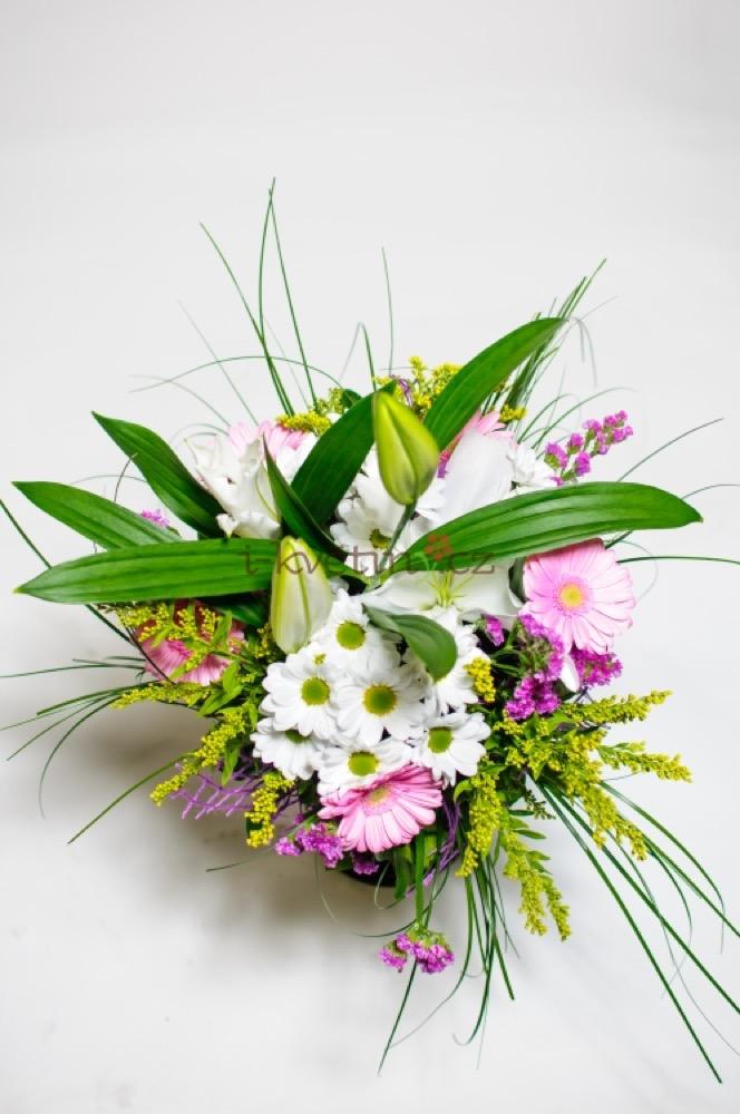 Kopretiny s lilií a gerberami