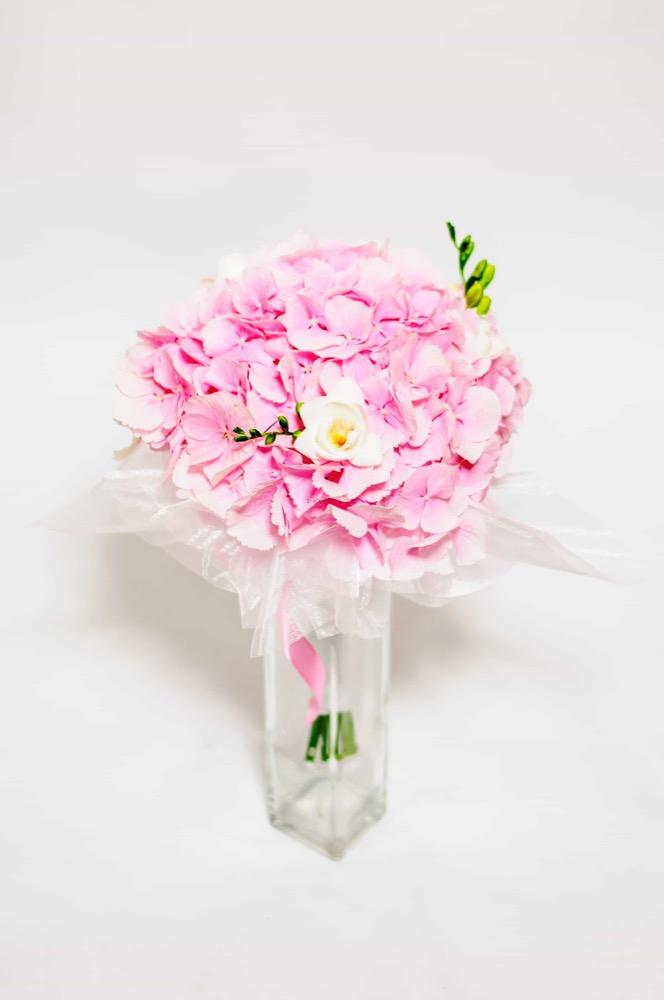 Růžová hortenzie a frézie