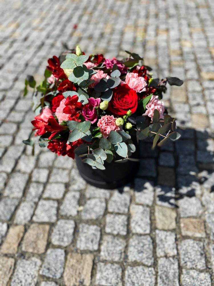 Box plný čerstvých květin XL